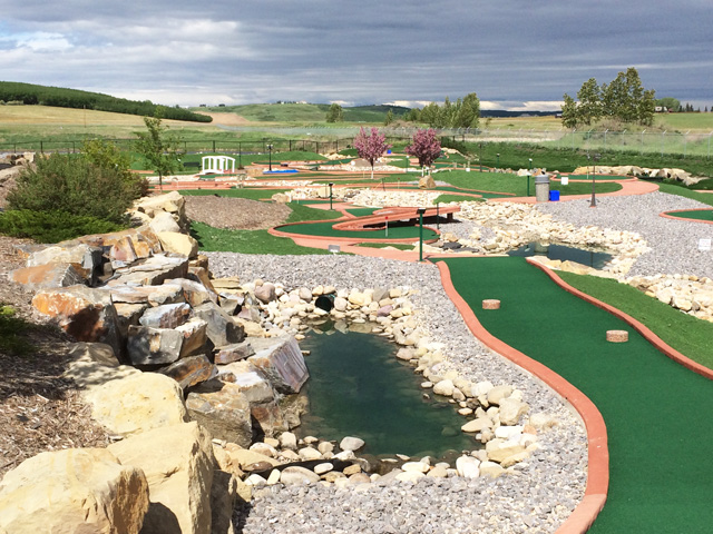 Oasis Greens Mini Golf Course in Calgary